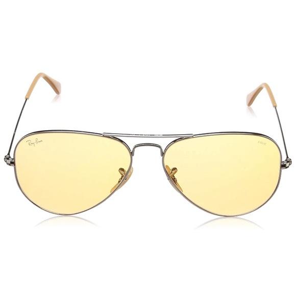 e5de735a99 NWT Ray Ban Aviator Sunglasses